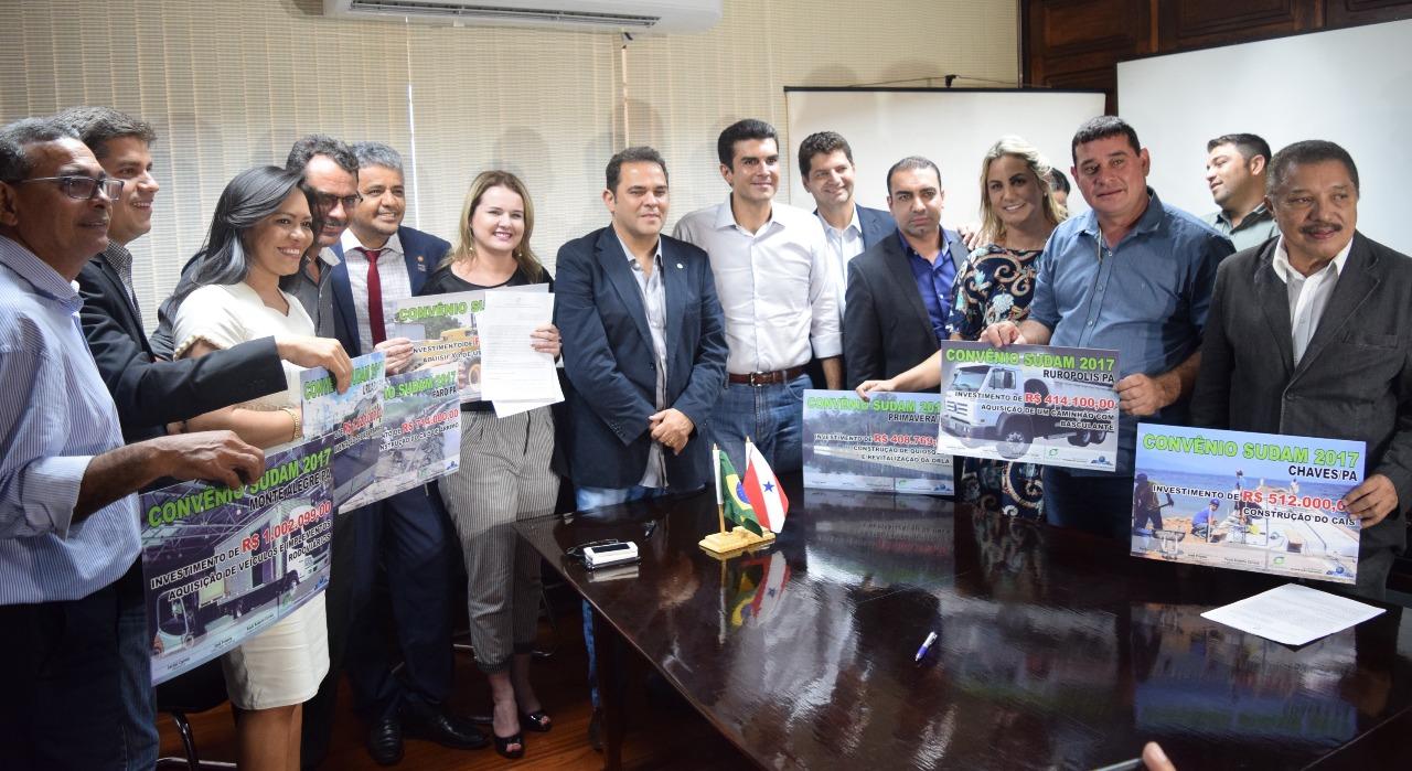 Priante consegue mais R$ 6 milhões para 14 prefeituras do Pará