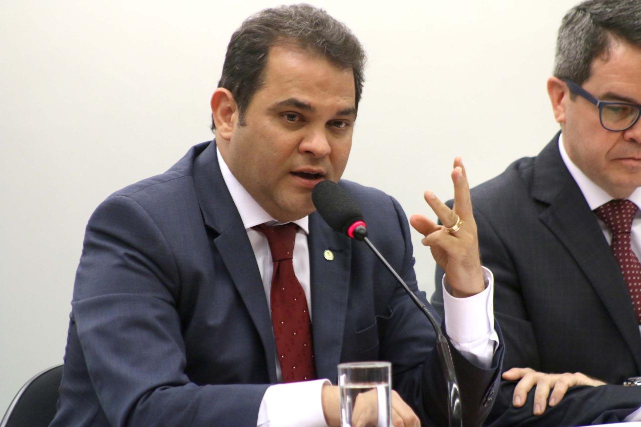 Priante defende recursos para ferrovias do Pará