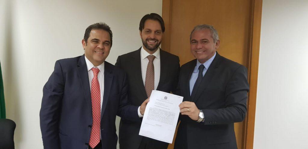 Ministro Alexandre Baldy, deputado José Priante e prefeito Nélio Aguiar