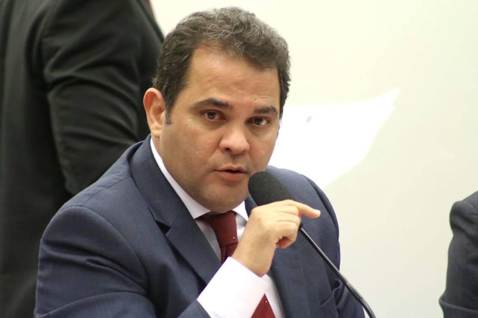 O, deputado, federal, e, candidato, à, reeleição, escreveu, uma carta, para, os, eleitores, do, Pará
