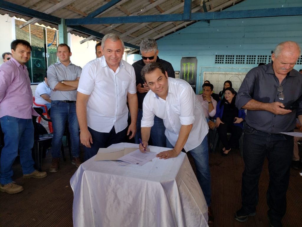 WhatsApp Image 2019 07 01 at 11.20.04 1024x768 - Assinada Ordem de Serviço para construção da Orla do Maracanã, em Santarém