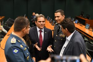 Priante presidente comissao especial militares3 300x200 - Priante assume presidência da Comissão da Reforma da Previdência dos militares